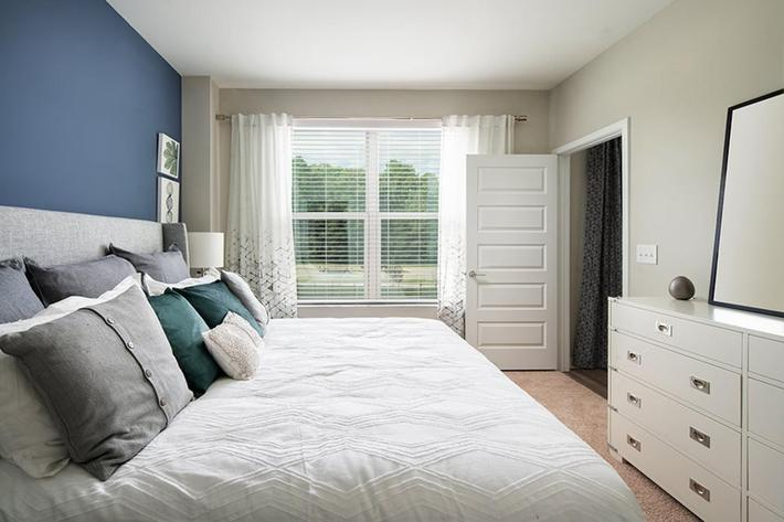 Bainbridge-Lake-Crabtree-Model-BR2-Bedroom.jpg