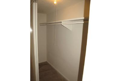 walk in closets.jpg