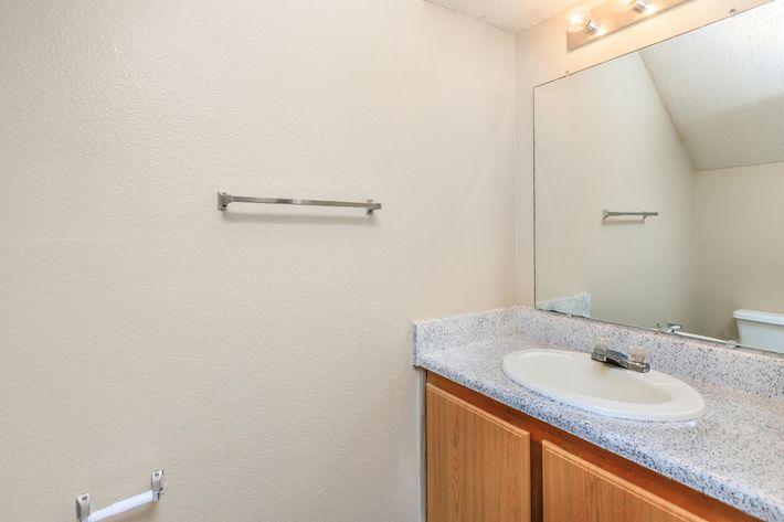 01d (half bathroom).jpg