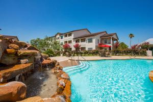 SPARKLING SWIMMING POOL WITH SCENIC VIEWS