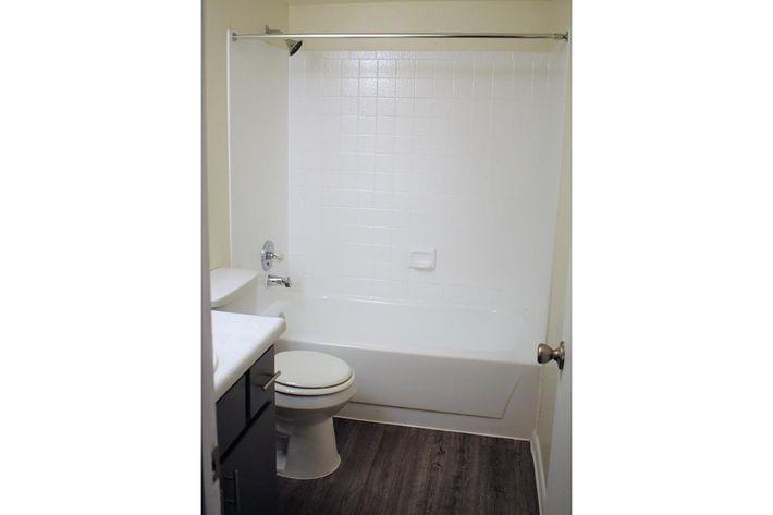 2x1 bath.jpg