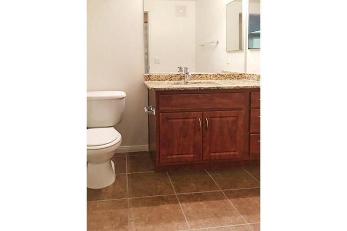 6211 Guest bathroom.jpg