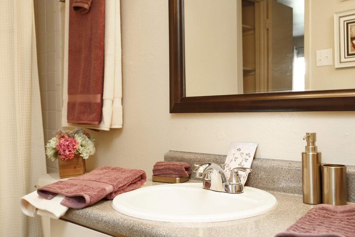 pebblebend-Model Bath .jpg