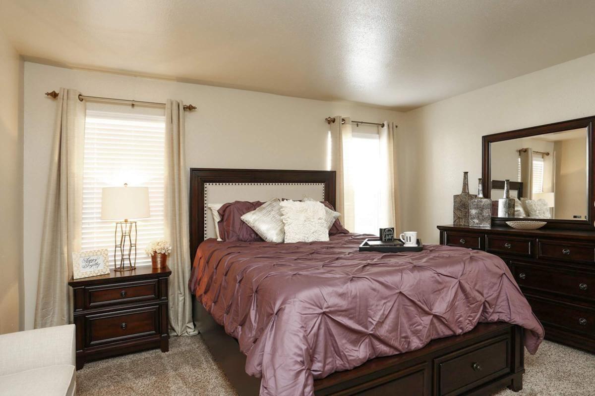 pebblebend-model bedroom.jpg