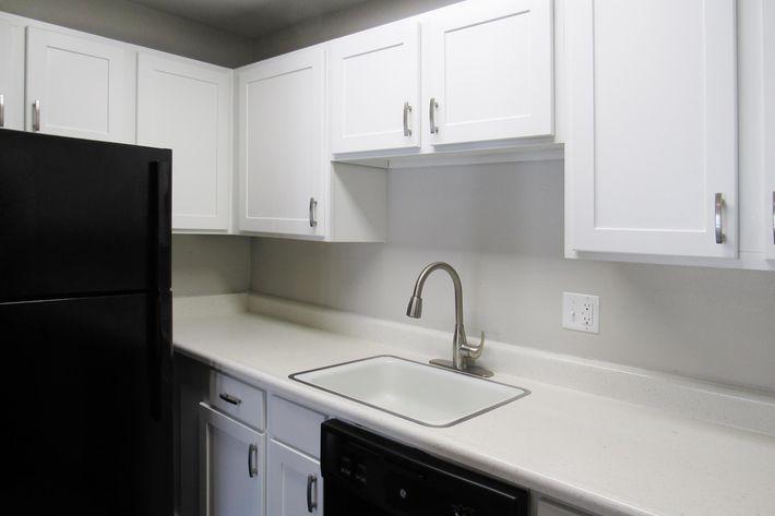 Kitchen1.jpg