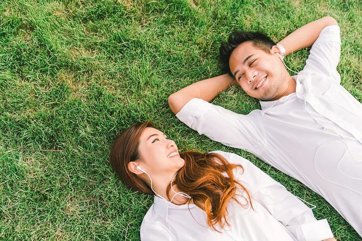 Couple on grass-695151328.jpg
