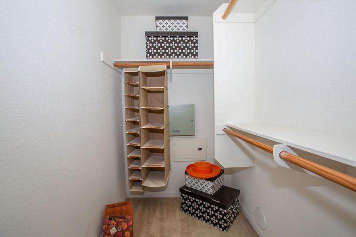 04c closet.jpg