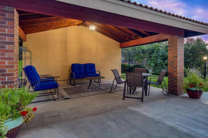 Covered Pool Lounge.jpg