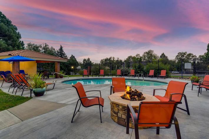 Fire pit and pool at dusk.jpg