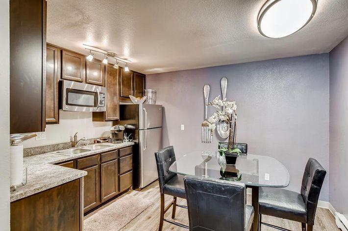 resident lounge kitchen.jpg
