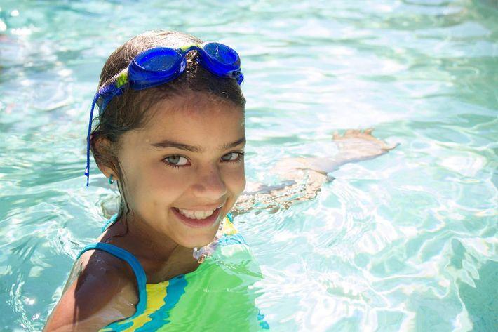girl in pool - iStock-604353814_super.jpg