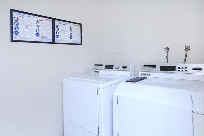 MARK 1 APARTMENTS IN LAS VEGAS HAS AN ON-SITE LAUNDRY FACILITY