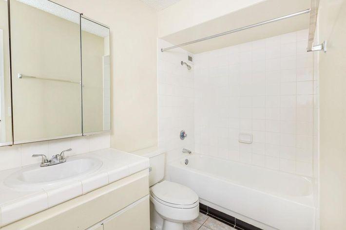 Modern bathroom at Mark 1 Apartments