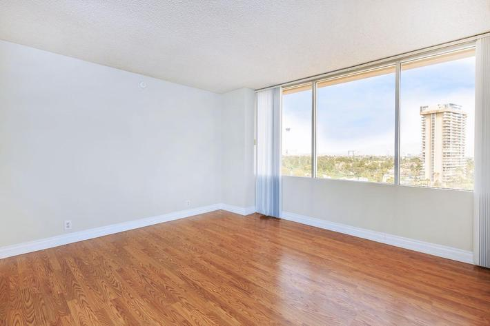 HARDWOOD FLOORS AND VIEWS AVAILABLE AT MARK 1 APARTMENTS IN LAS VEGAS