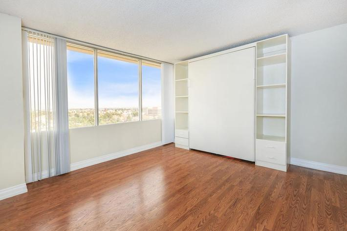 HARDWOOD FLOORS AND VIEWS AVAILABLE AT MARK1 APARTMENTS IN LAS VEGAS
