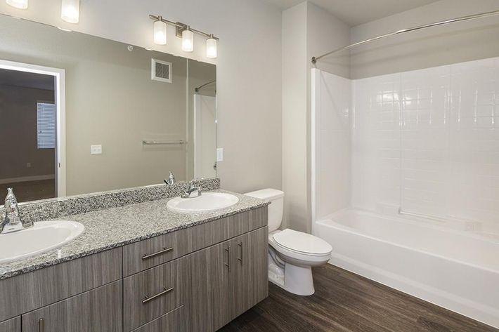 B3 master bathroom.jpg