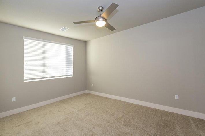 B1 Bedroom.jpg