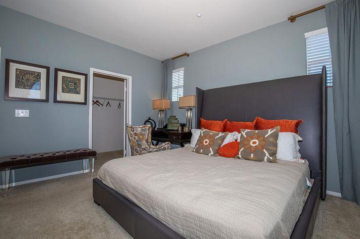 04b Master Bedroom.jpg