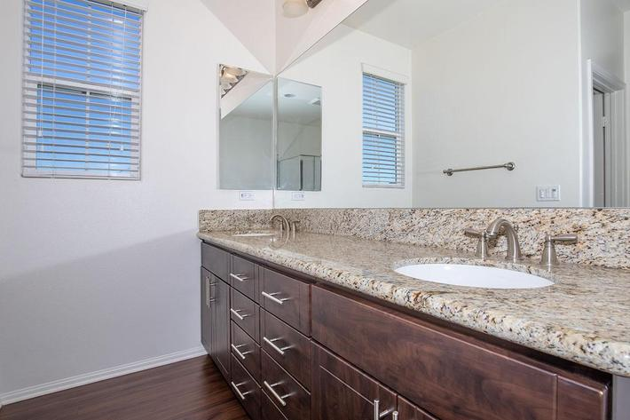 04c Master bathroom.jpg