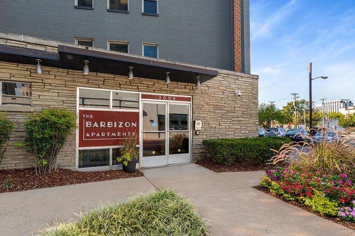 Welcome to Barbizon Apartments