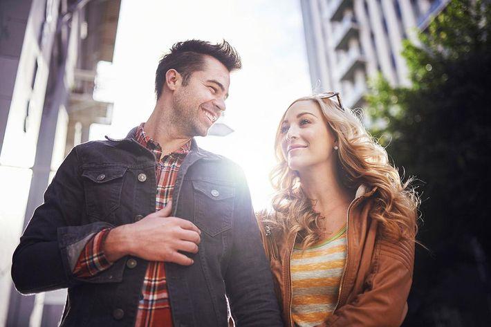 neighborhood-shopping-couple.jpg