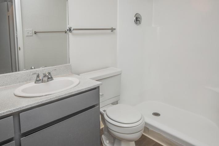 Modern Bathroom at Las Palmas
