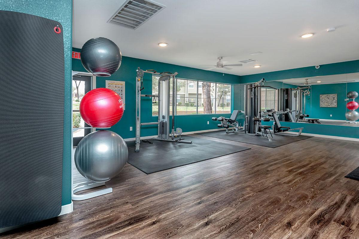 24-HOUR STATE-OF-THE-ART FITNESS EXERCISE CENTER