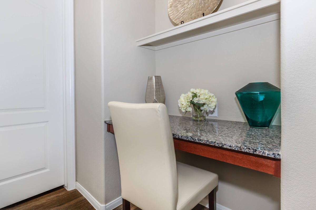 BUILT-IN SHELVING IN SELECT HOMES