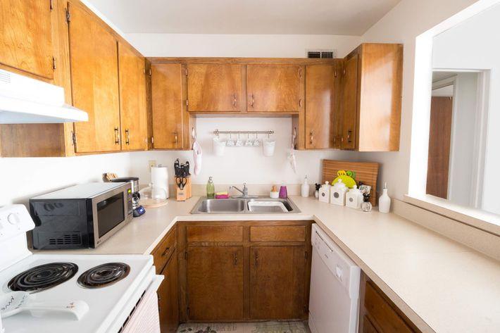 1BR-5-kitchen.jpg