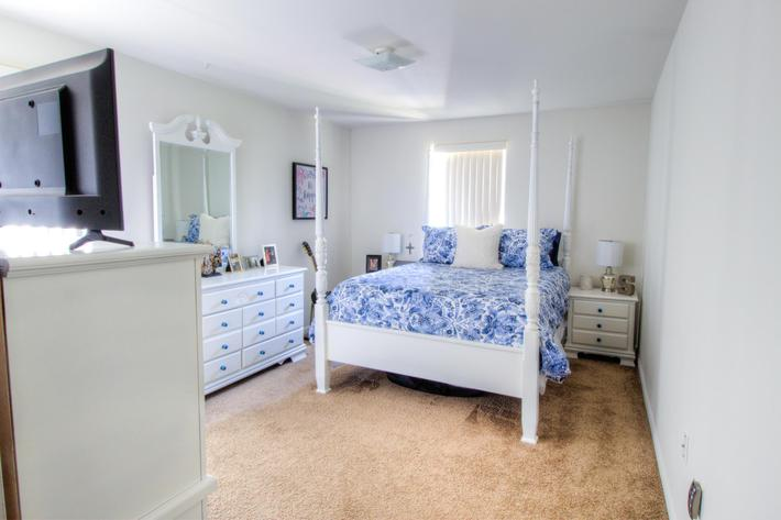 1BR-6-bedroom1.jpg