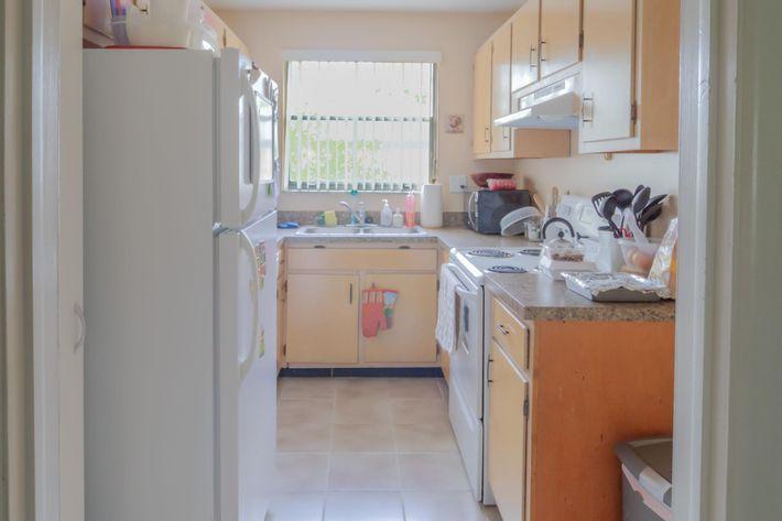 3br-3-kitchen.jpg
