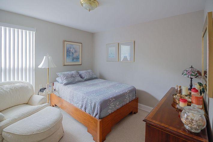 3br-6-bedroom2.jpg