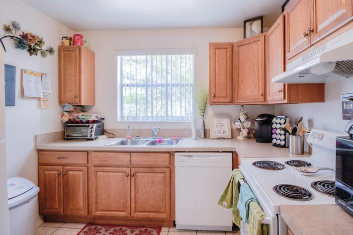 22-3-kitchen.jpg