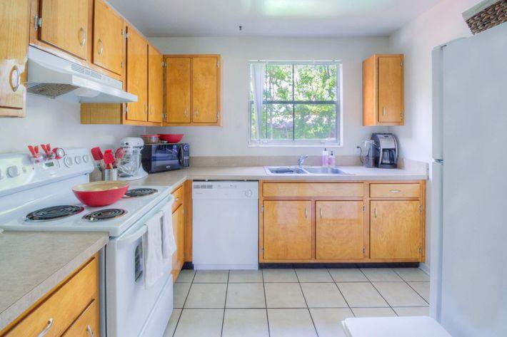 2BR-5-kitchen1.jpg