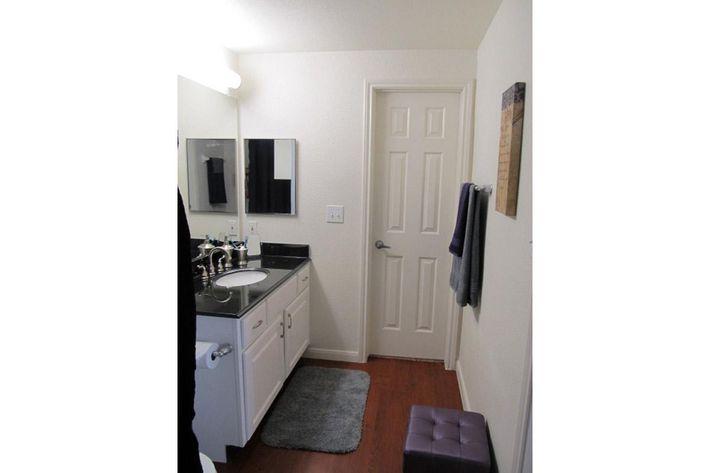 Restroom-3.jpg