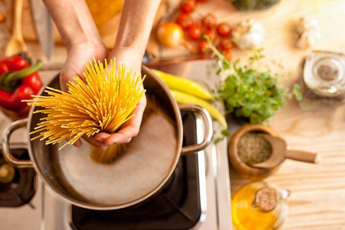 interior-kitchen-stove-cooking.jpg