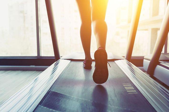 amenities-fitness-treadmill-6.jpg
