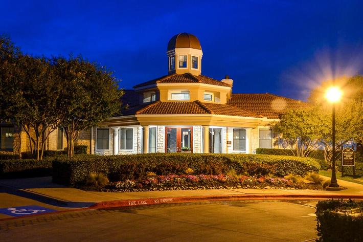The Vineyards Apartments in Frisco, TX - Exterior 22.jpg