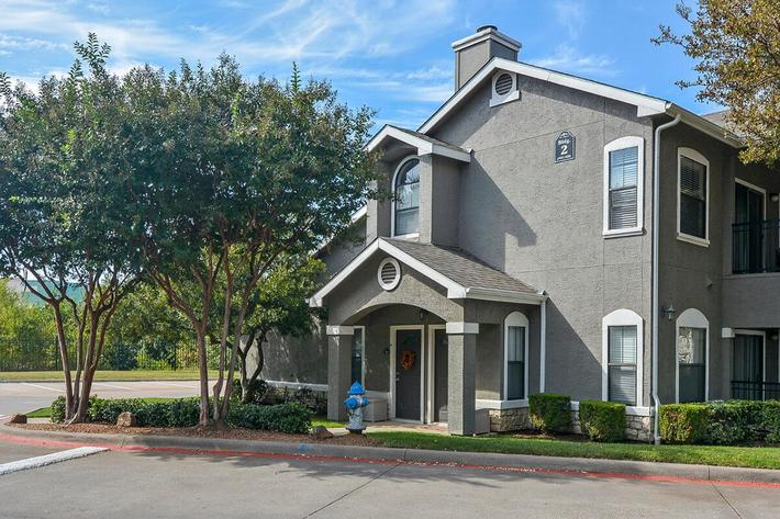 The Vineyards Apartments in Frisco, TX - Exterior 24.jpg