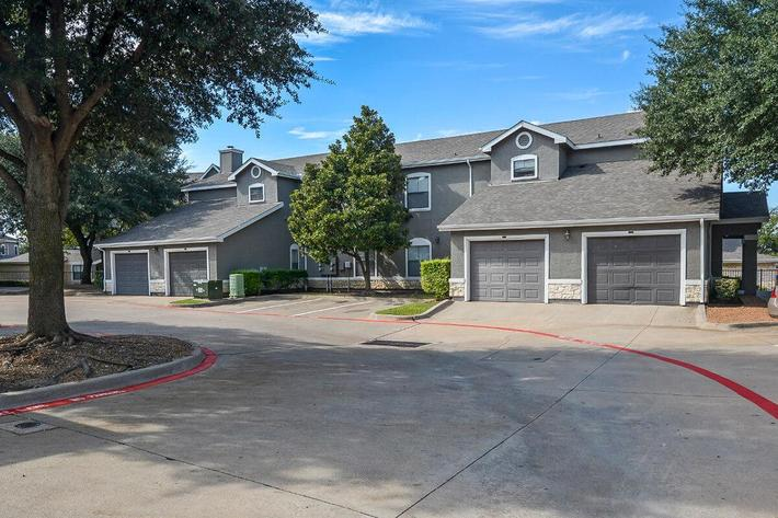 The Vineyards Apartments in Frisco, TX - Exterior 35.jpg