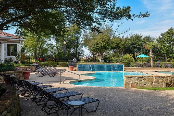 The Vineyards Apartments in Frisco, TX - Swimming Pool 02.jpg