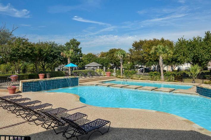 The Vineyards Apartments in Frisco, TX - Swimming Pool 08.jpg
