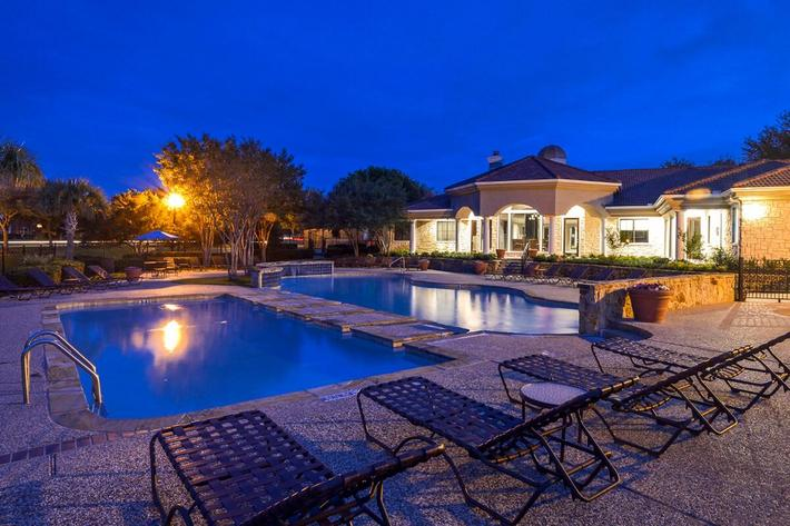 The Vineyards Apartments in Frisco, TX - Swimming Pool 12.jpg