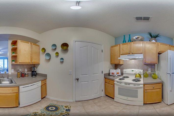 Kitchen_Pano.jpg