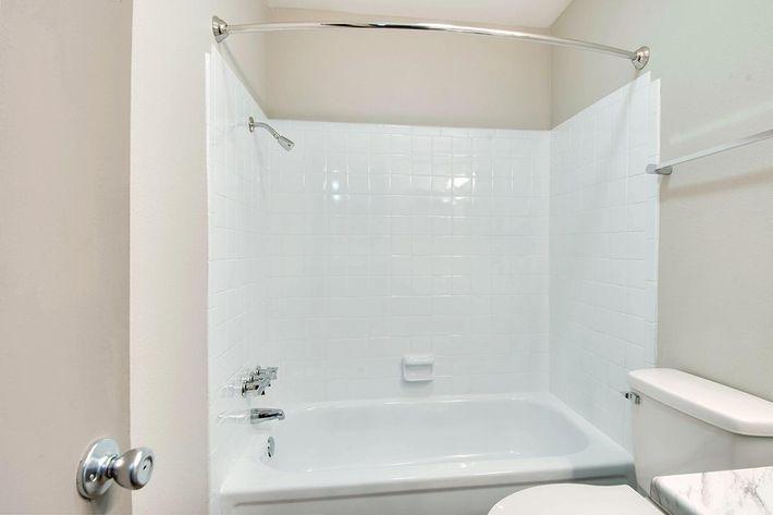 Modern Bathroom in Huntsville, AL
