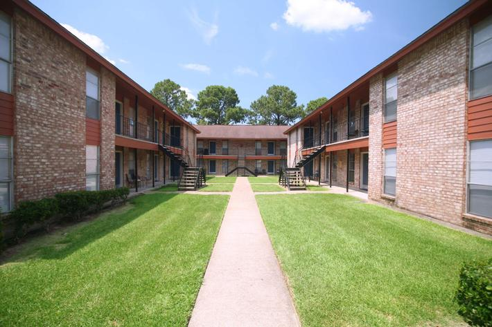 IMG_1012_The Regency Apartmetns Exteriors.JPG