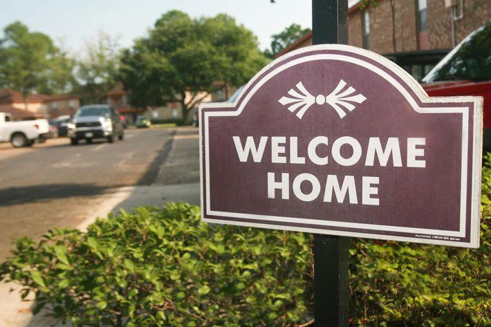 IMG_1190_The Regency Apartments_Welcome HomeJPG.JPG