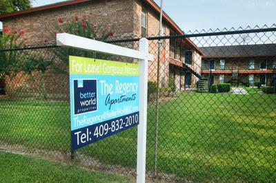 IMG_1203_The Regency Apartments_Beaumont_Signage.JPG