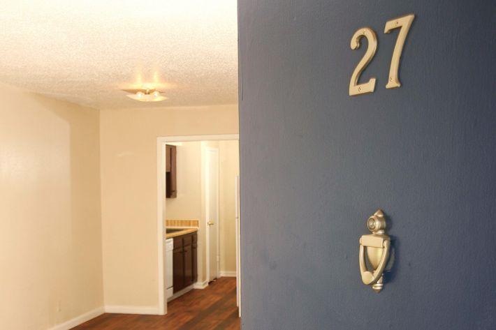 IMG_1061_The Regency Apartments_Entry 27.JPG