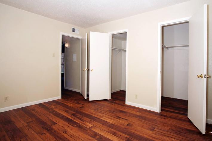 IMG_1081_The Regency Apartments_Ample Closets.JPG